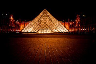 pyramide du louvre histoire des arts 3eme